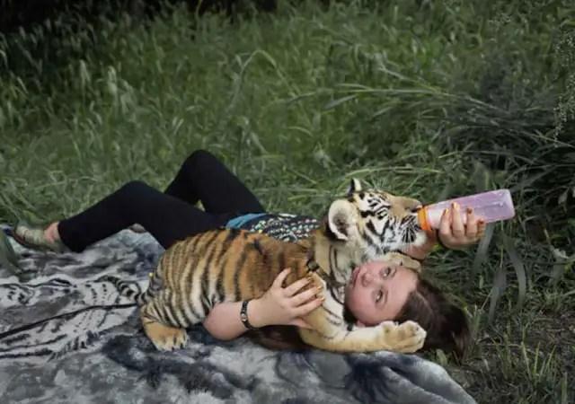 fotosanimalesrobinschwa - La fotógrafa Robin Schwartz muestra la conexión de su hija con animales de todo tipo