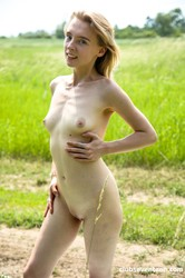 """ClubSevenTeen – Candy Teen """"Sometimes Two Fingers Is All You Need"""""""