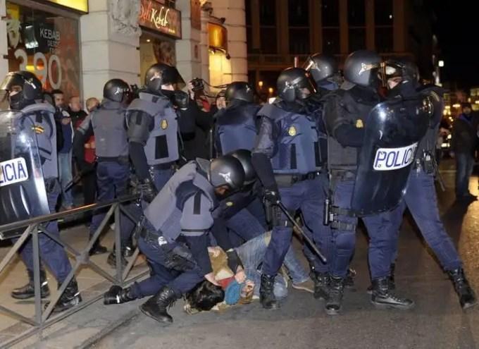 43233423871053621478310 - Nos quitan nuestros derechos y nos pegan por defenderlos