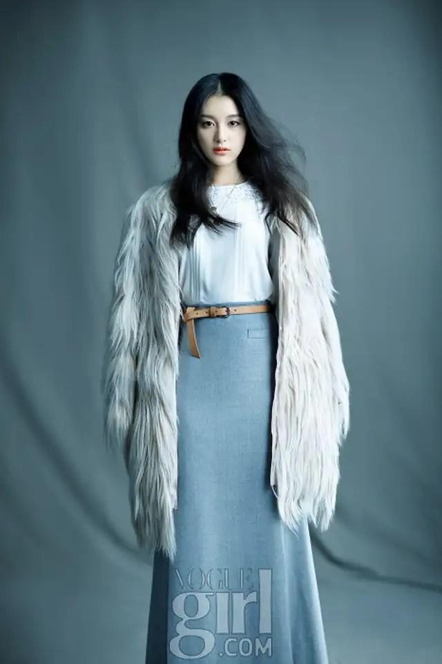 Young Girls Wallpaper Kim Ji Won S Aristocratic Winter Fashion For Vogue Girl