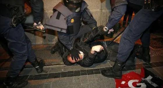 42608523868308621752810 - Nos quitan nuestros derechos y nos pegan por defenderlos