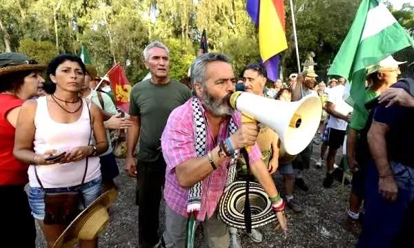 Juan Manuel Sanchez Gordillo juanto a Diego Cañameroy miembros del SAT