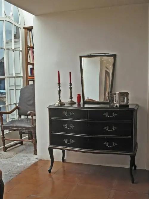 Taller y medio. Taller de restauración de muebles