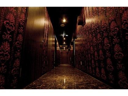 「ローランド ビューティ ラウンジ 新宿」の画像検索結果