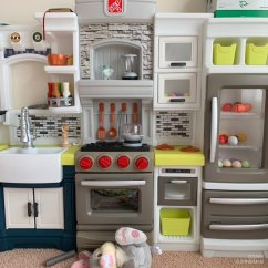 Kitchen Bars How To Build Your Own Cabinets 闺女喜欢过家家 给她来个厨房吧 北美省钱快报