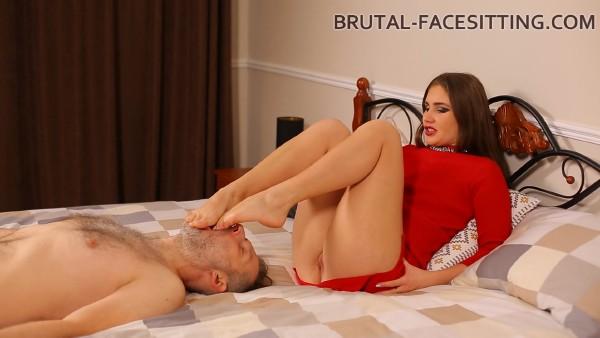 Holly Kane – Brutal Facesitting (2018/Brutal-Facesitting.com/FullHD)