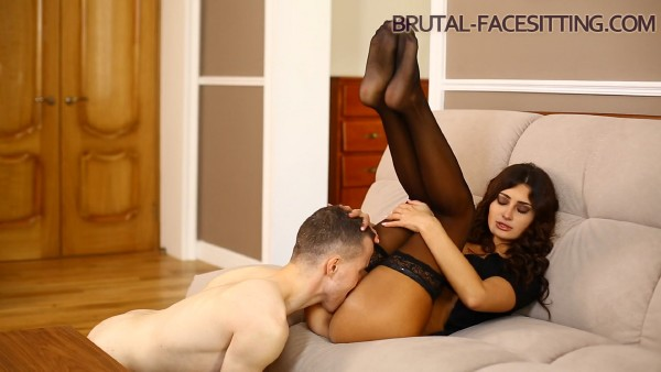Holly Kane – Brutal Facesitting 2 (2018/Brutal-Facesitting.com/FullHD)