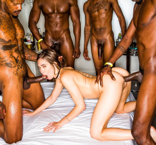 Riley Reid – Girlfriend Gangbang At The After Party (BlackedRaw.com/2018/SD)
