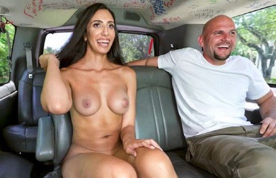 Angelica Cruz – Getting Her Pussy Stretched on The Bus (2018/BangBus/BangBros/SD)
