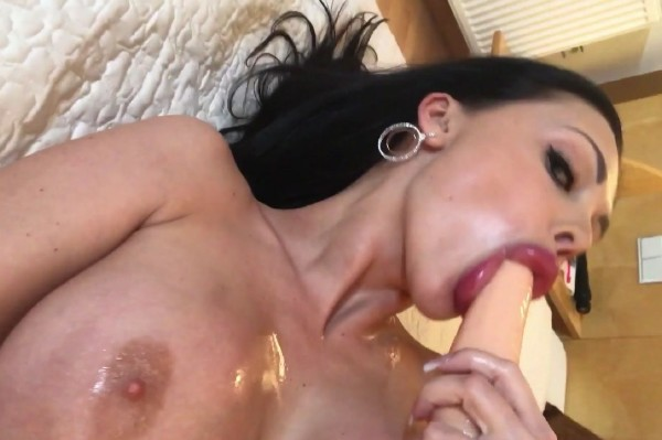 Aletta Ocean – Playing with my favourite sextoy (2017/OnlyFans.com/FullHD)