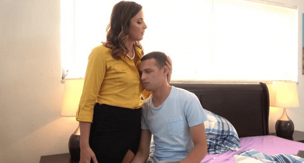 Helena Price – Horny Mommy Consoles Heart Broken Son (2018/Clips4sale.com/FullHD)