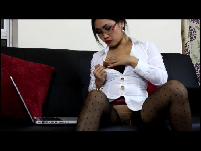 Misspinay Naughty Secretary (manyvids)
