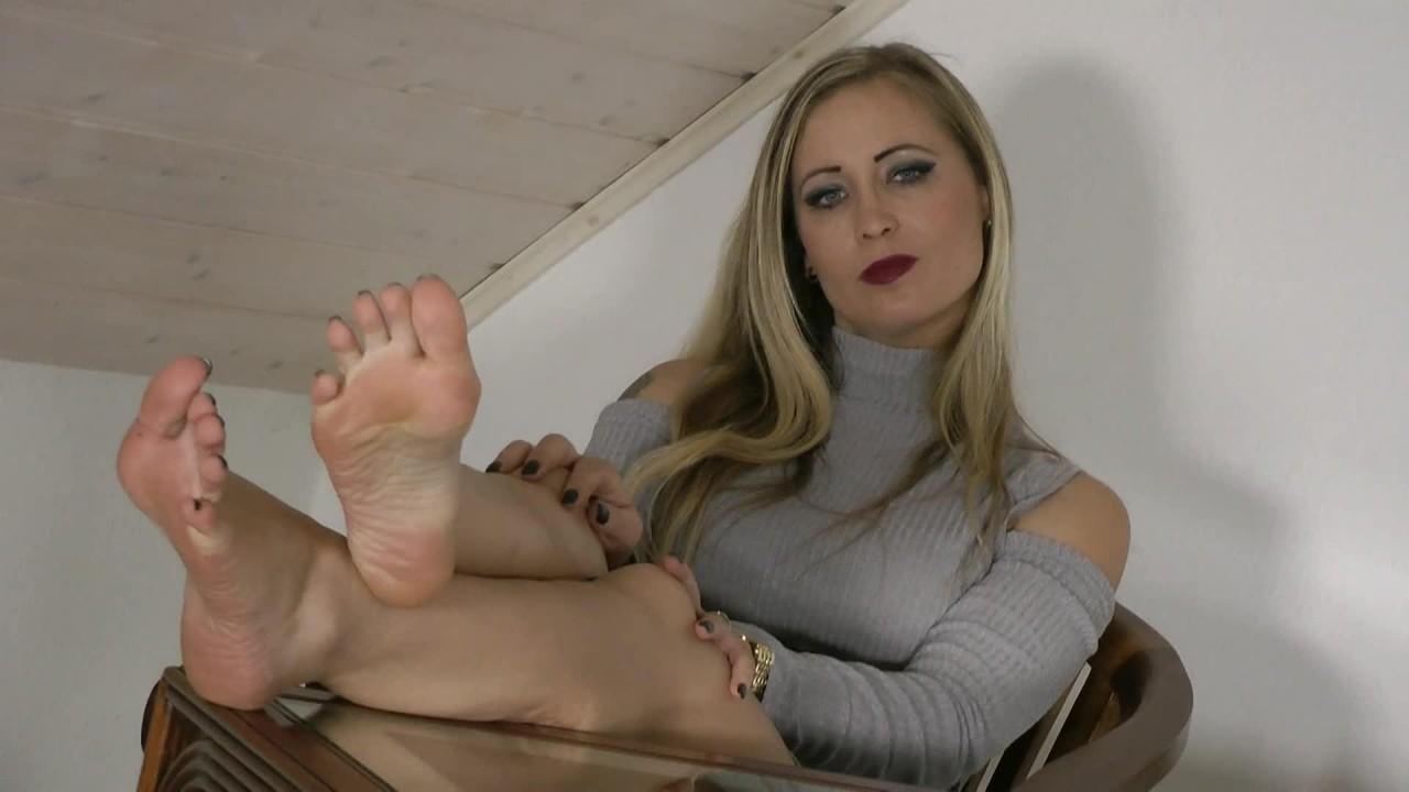Ballerinas Flip Flops – Allowed To Lick My Feet