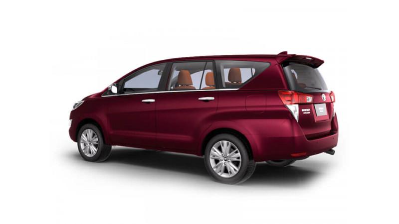 Toyota Innova Crysta Photos Interior Exterior Car Images Cartrade