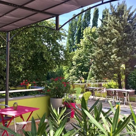 Hotel Hotel Logis L Oree De Chartres Barjouville Trivago