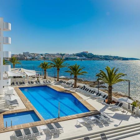 Aparthotel Playasol Jabeque Soul Serviced Apartment Ibiza 0 5 Miles To Apartamentos Panoramic
