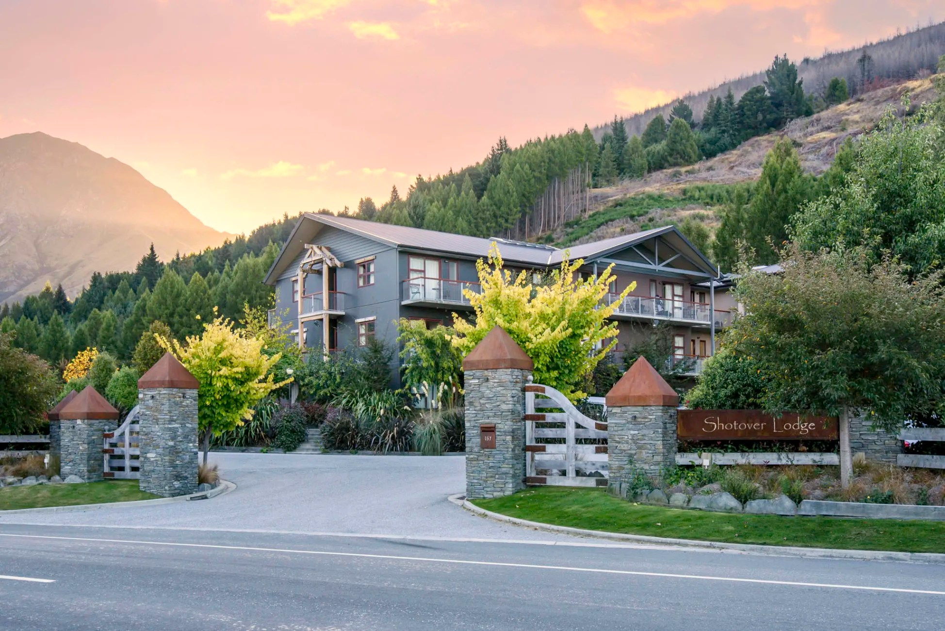 Hotel Shotover Lodge Queenstown Trivago Co Nz
