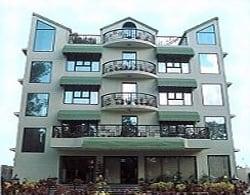 Hotel Di Dehradun Oyo 10072 Hotel Amrit Regency Trivago