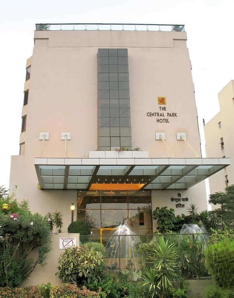 Hotel The Central Park Hotel Pune Trivago In