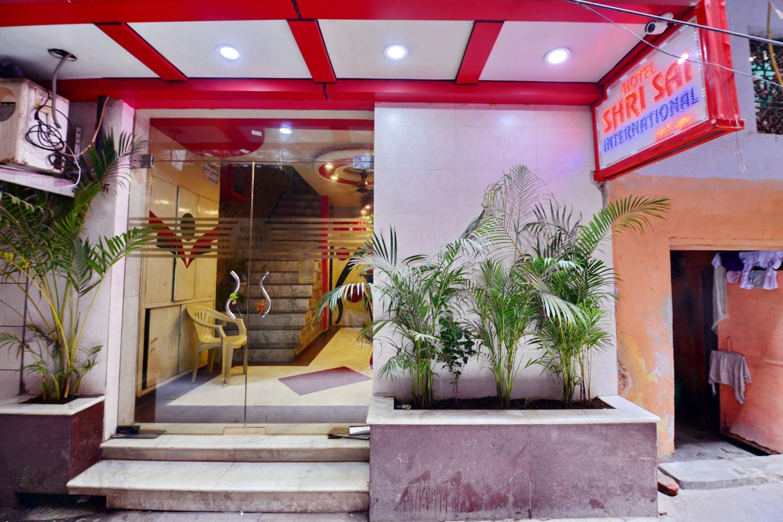 Hotel Oyo 6801 Hotel Shri Sai International Delhi Trivago In