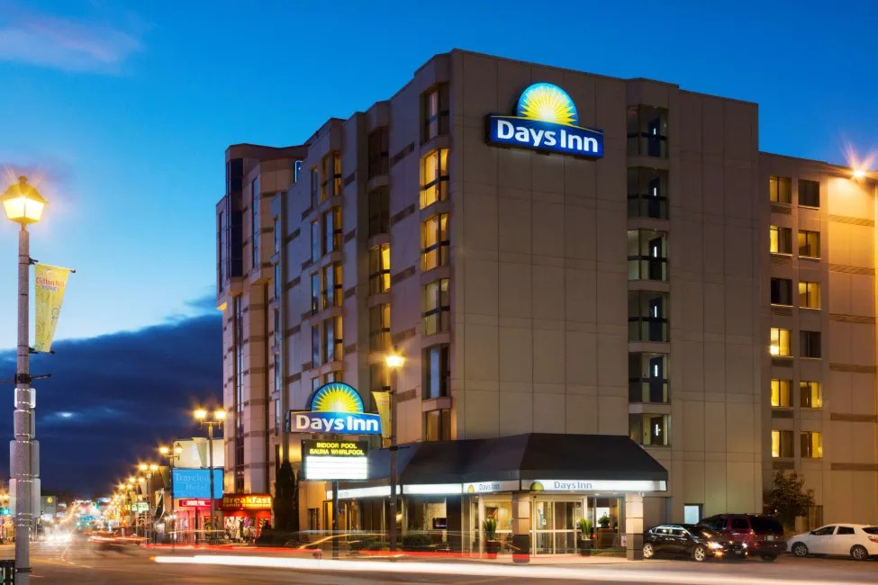 Hotel Days Inn Niagara Falls Near the Falls Niagara Falls