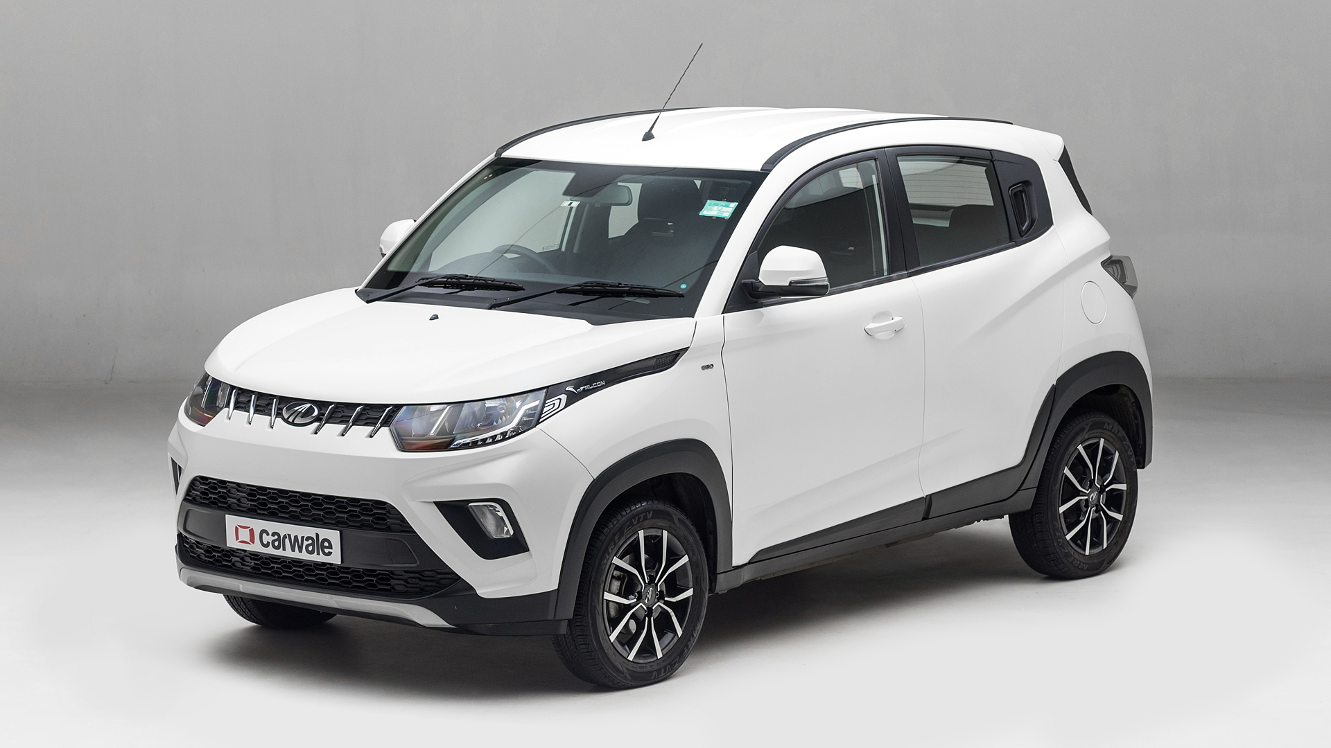 Mahindra KUV100 NXT Images - Interior & Exterior Photo Gallery [100+  Images] - CarWale