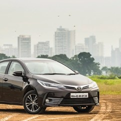 New Corolla Altis Vs Skoda Octavia Xpander Grand Avanza Hyundai Elantra A T Toyota Carwale Second Up The Now Comes With Pair Of Razor Sharp Led Headlamps Drls And Compact Grille Front Bumper Has More Prominent