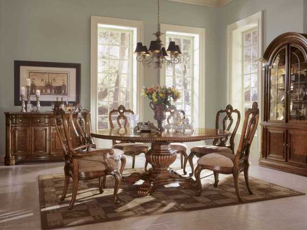 Universal Villa Cortina Round Dining Room Furniture
