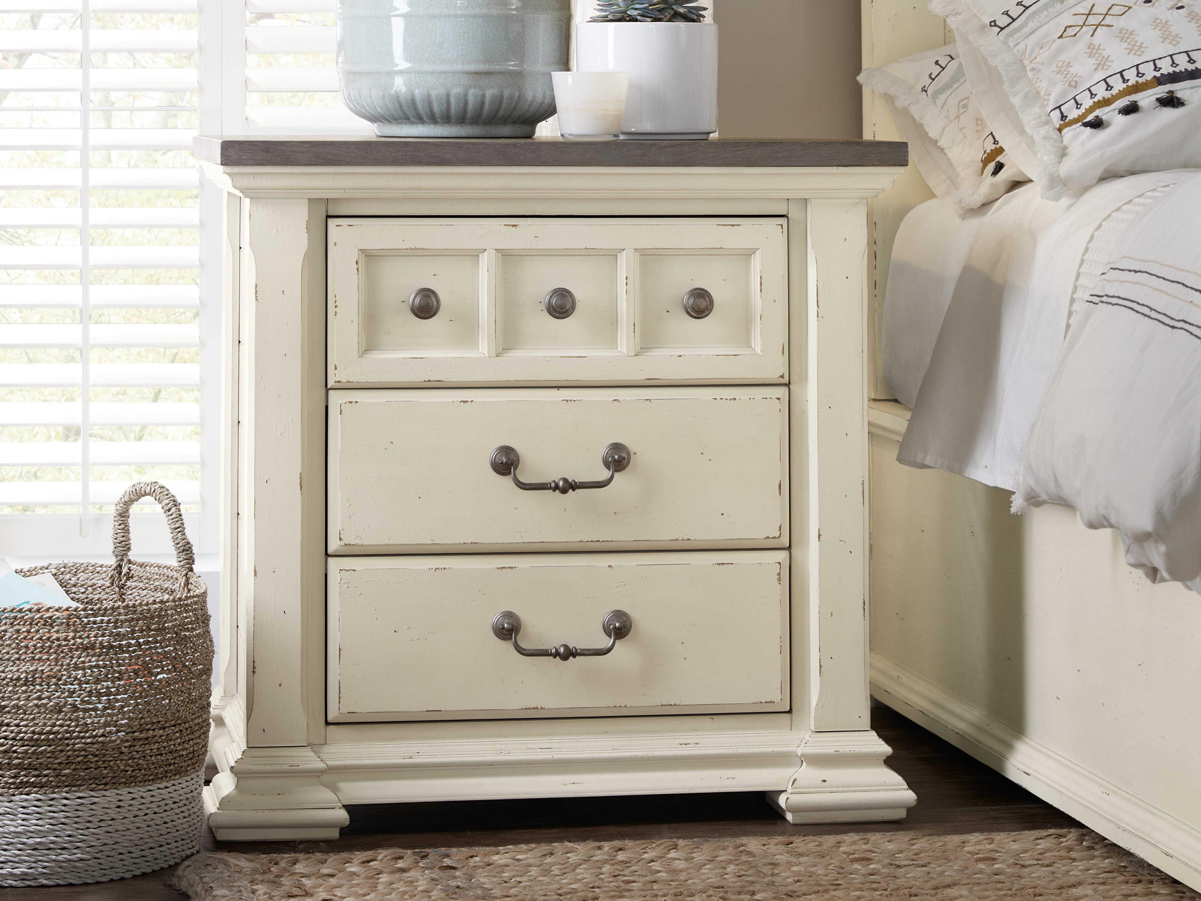 Hooker Furniture Sturbridge Distressed Cream With Grey 31 W X 17 D Rectangular Nightstand