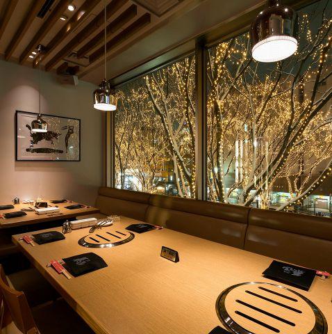 テーブル8名様×2