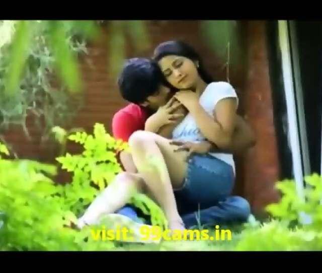 Desi Outdoor Voyeur Sex Video College Girl With Lover Scene 5