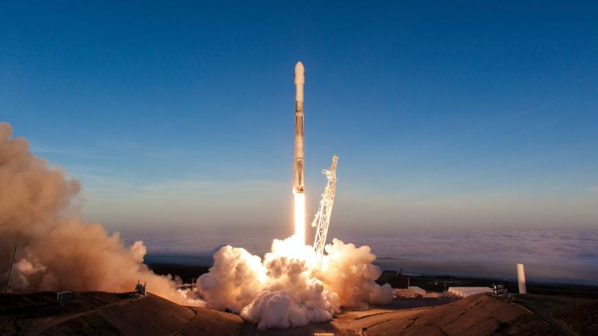 SpaceX Executive Teases Mysterious 2019 Rocket Launches ...