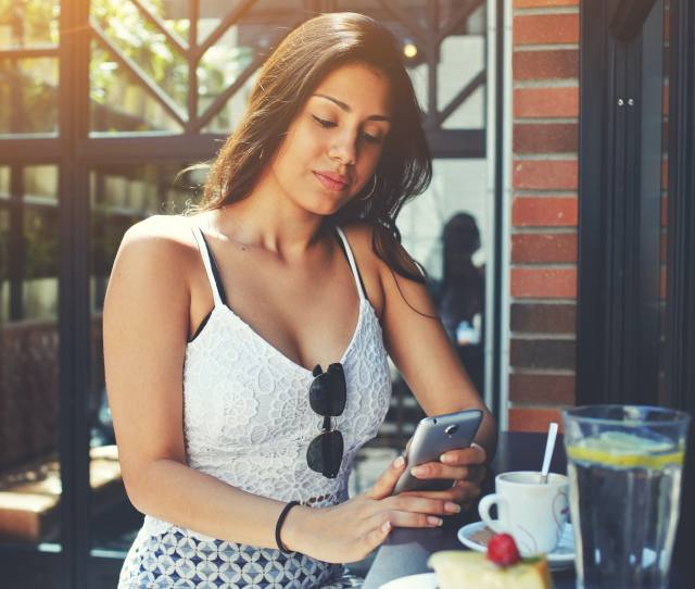 Dating Apps With Features To Prevent Catfishing Because Selfies Can Be Used For Good