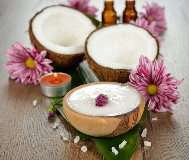 Alternatives To Coconut Oil Because Your Beloved Coconut Oil May Clog Your Pores