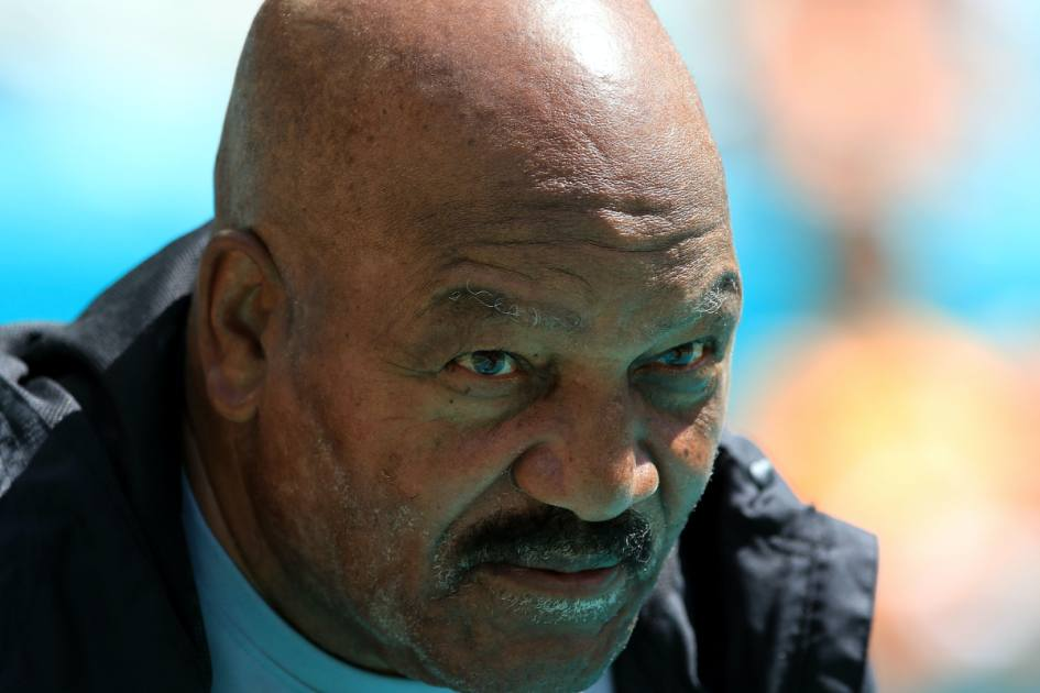 Jim Brown Will Join Kanye West Trump S Meeting Here S