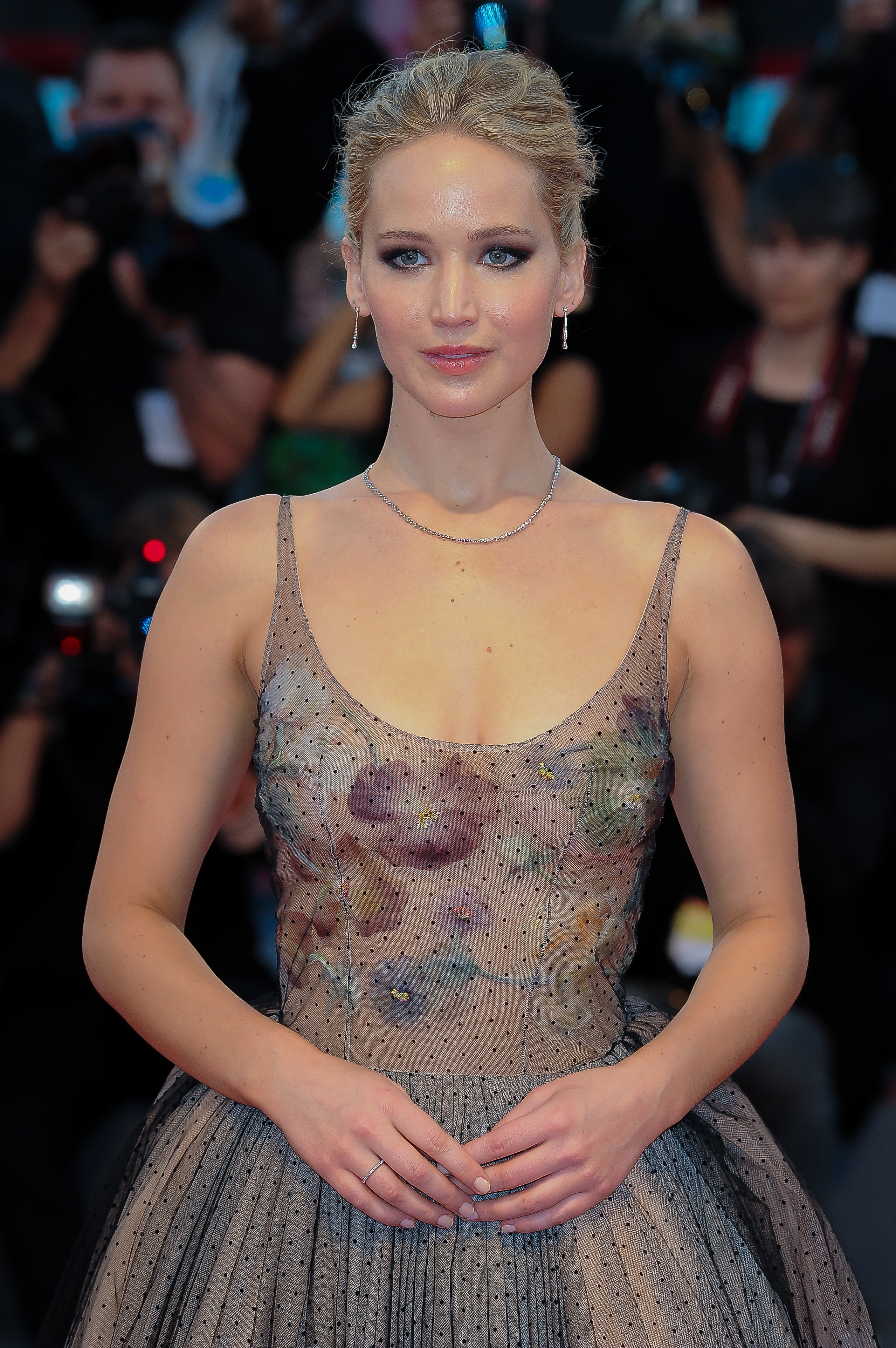 Actress and celebrity Leo Jennifer Lawrence walked the red carpet.