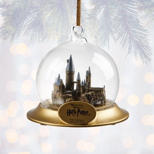 Here S All The Harry Potter Christmas Decorations You Can Buy At Wizarding World