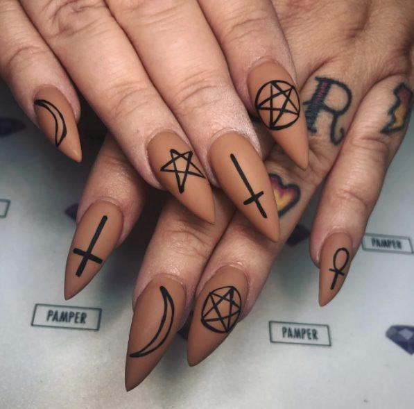 halloween nail art ideas & tips
