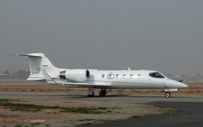 lear jet airplanes and