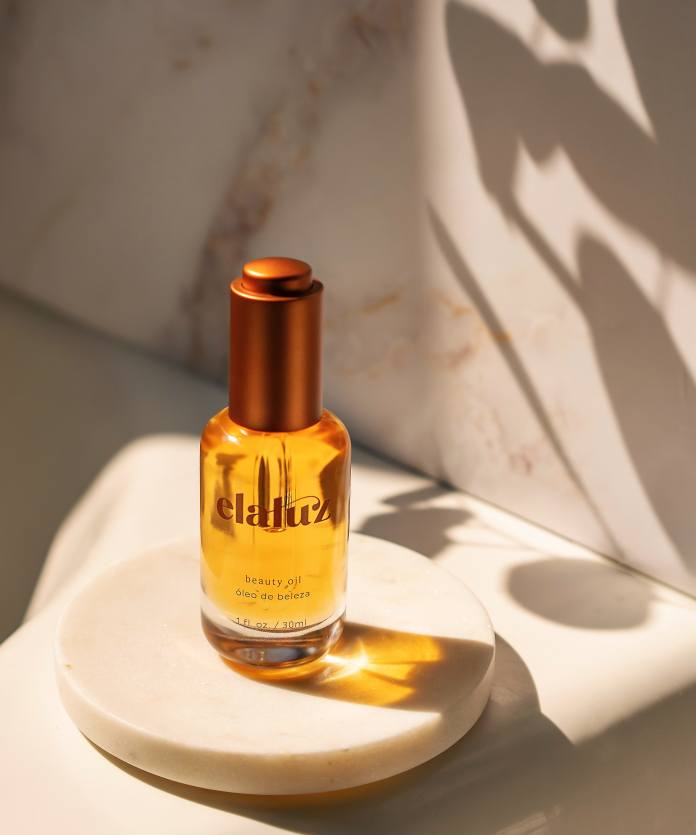 Elaluz's Beauty Oil is a meant to be a moisturizing and soothing step in your skincare routine.
