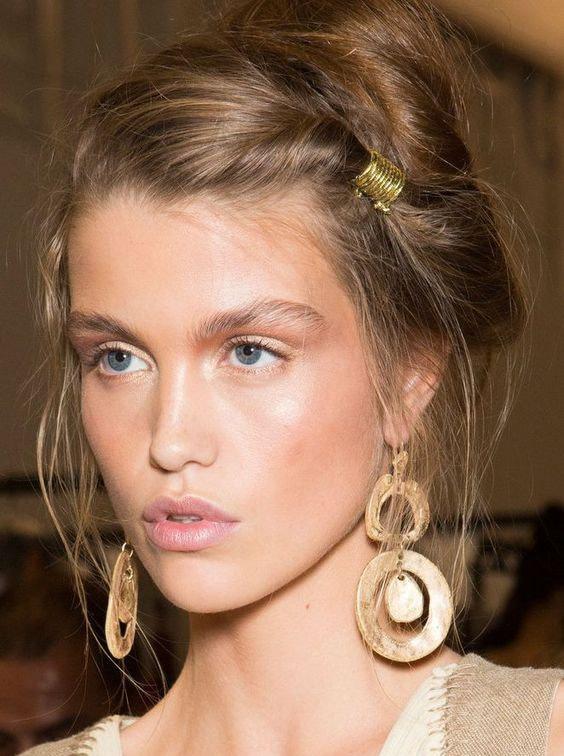 romantic hairstyles wear