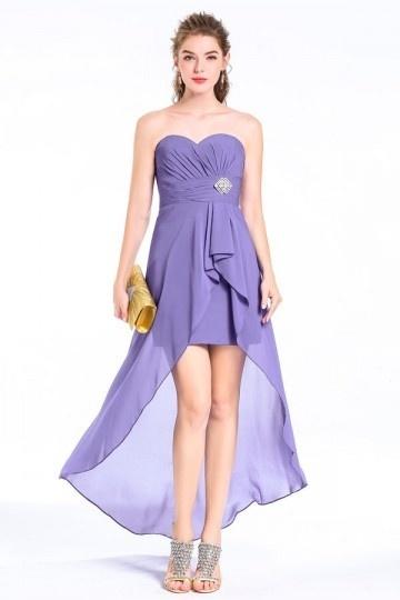 Robe violette bascule assortie à sandales orné de strass