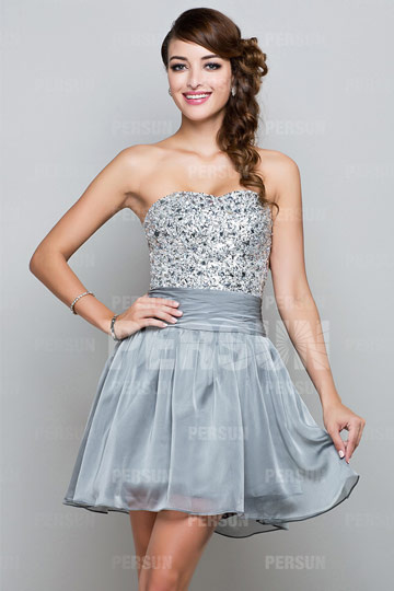 Robe cocktail bustier courte à paillettes