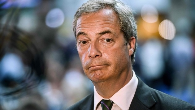 "Christoph Waltz attackiert Farage als ""Oberratte"" (Bild: APA/AFP/PHILIPPE HUGUEN)"