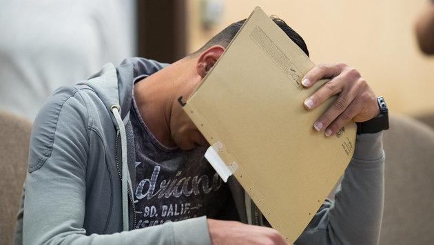 Ein 21-Jähriger stand wegen sexueller Nötigung in der Kölner Silvesternacht vor Gericht. (Bild: APA/dpa/Marius Becker)