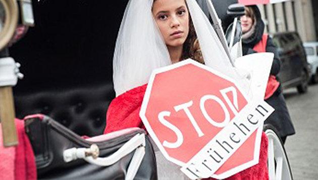 Auch Terres des Femmes fordert, das Mindestheiratsalter auf 18 Jahre ohne Ausnahme festzulegen. (Bild: Terres des Femmes)