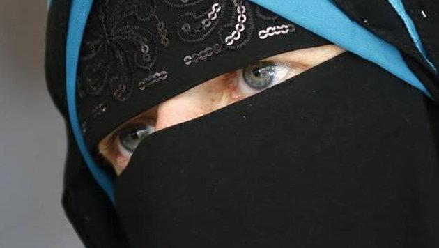 Niqab-Nora: Justiz ermittelt gegen Anne Will! (Bild: facebook.com/nora.illi)