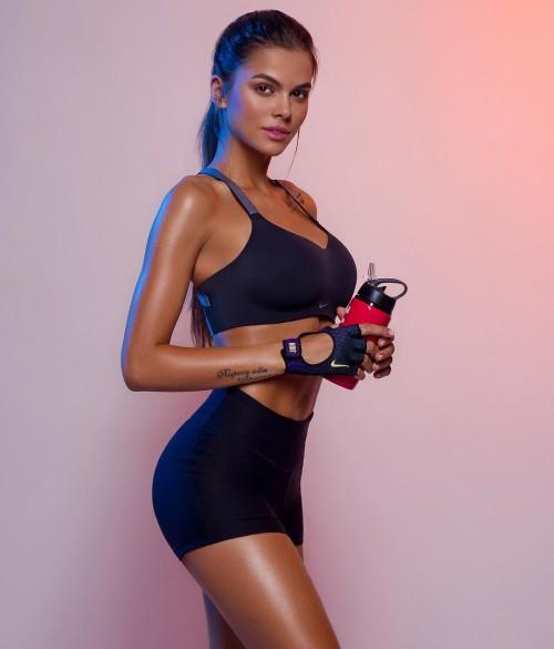 Viki-Odintcova-Sexy-Tights-6.md.jpg