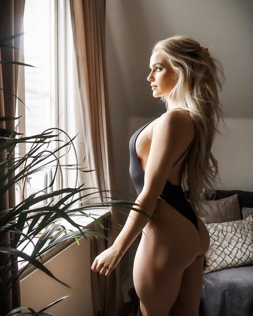 Anna-Nystrom-sexy-Pictures-9.md.jpg