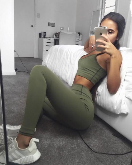 Tarsha-Whitmore-sexy-tights-3.md.jpg